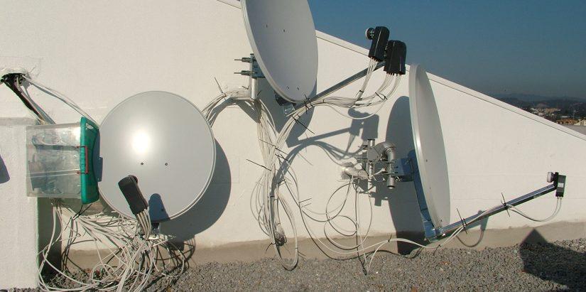 sistem satelit complex